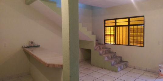 Casa amplia en venta en la magueyera